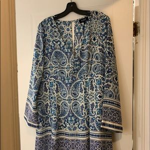Beautiful blue & white dress, V-neck with buttons